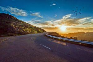 winding-road-1556177_640